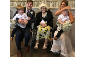 24-10-17 Hospice makes it possible for patient to attend granddaughter's wedding