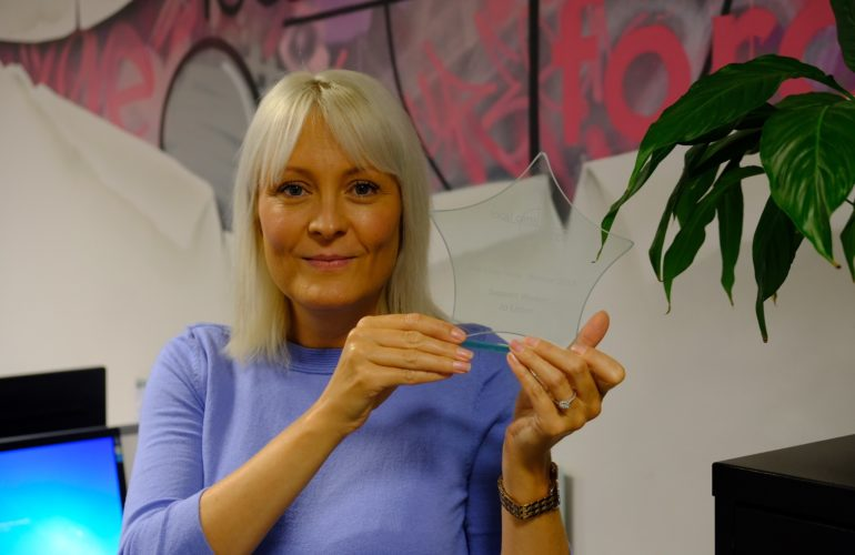 Hospice support worker wins Everyday Hero award