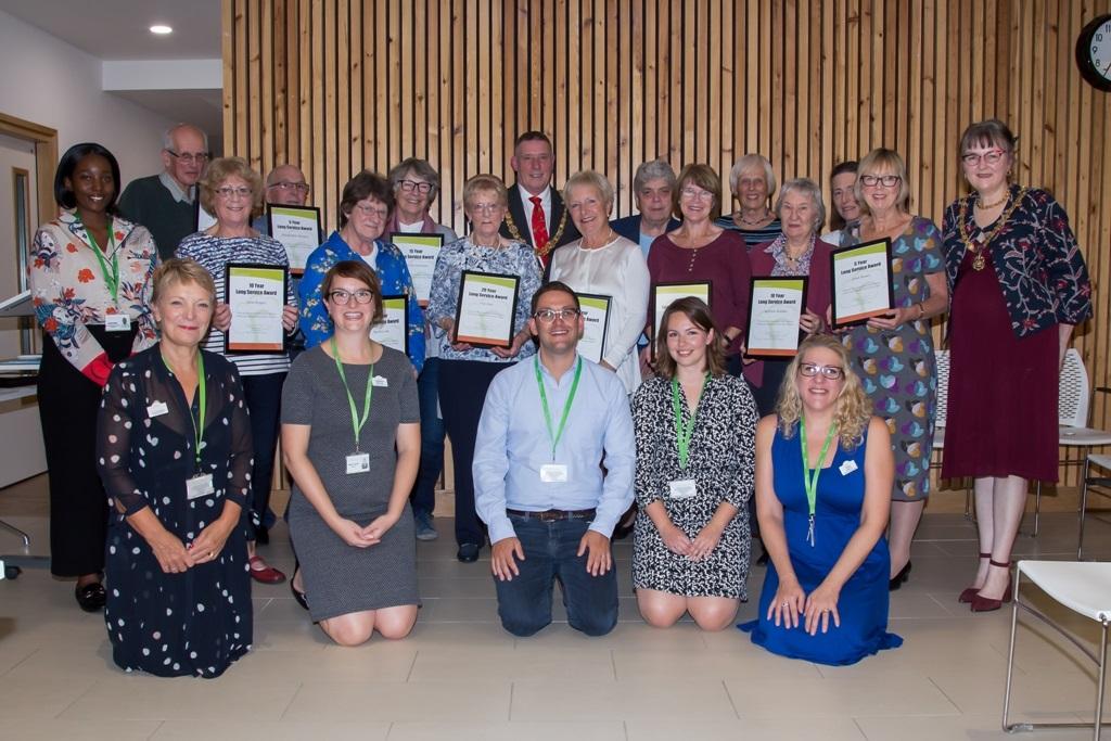 Mayor of Cambridge presents awards to local hospice volunteers