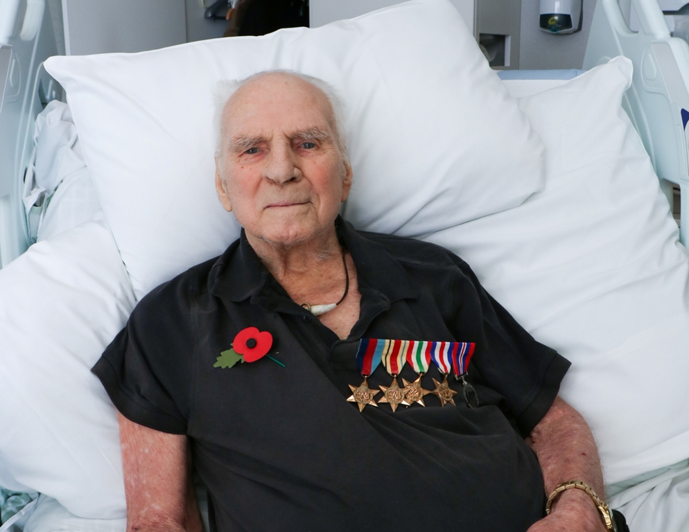 World War II veteran speaks about his war experiences during stay at Arthur Rank Hospice