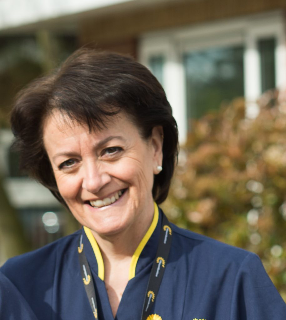 First ever Queen's Nurse title awarded to an end of life nurse specialist