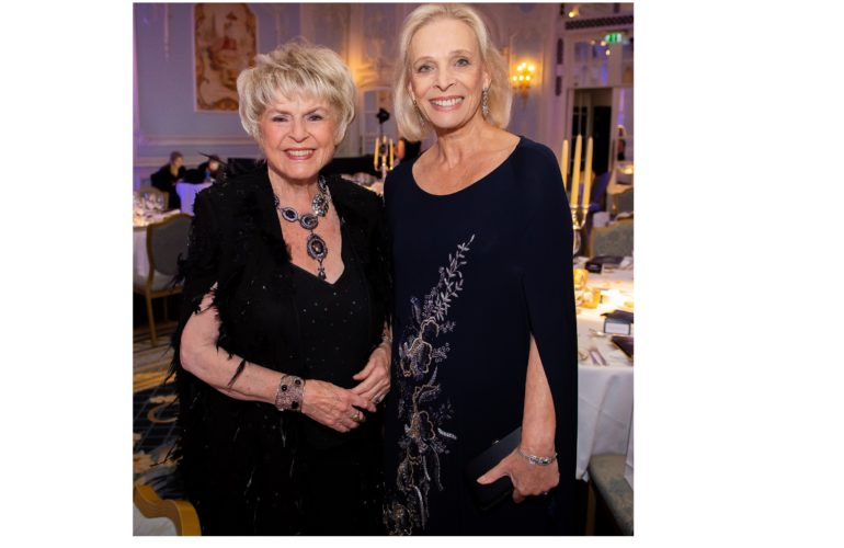 Glittering Gala Dinner helps raise funds for Hospice UK