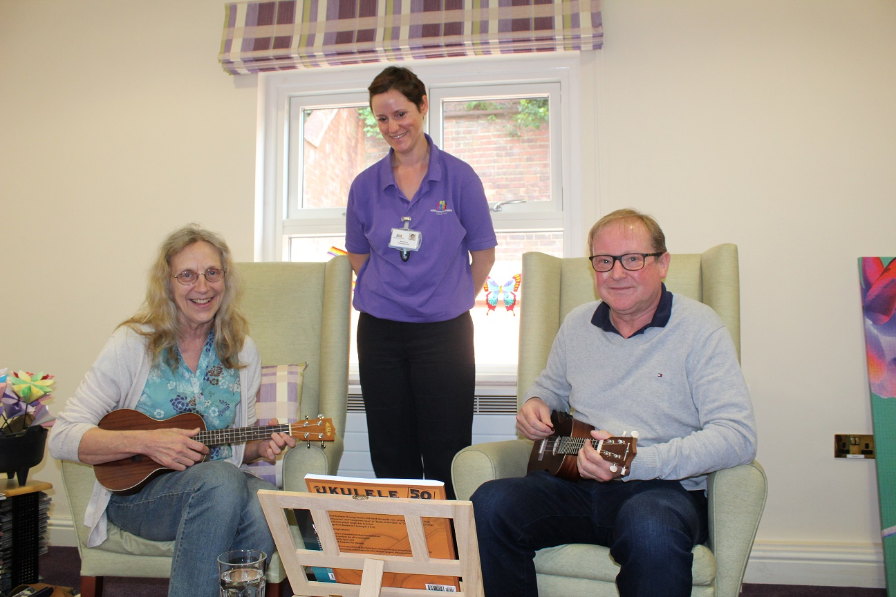 Patient to play guitar again thanks to hospice music lessons