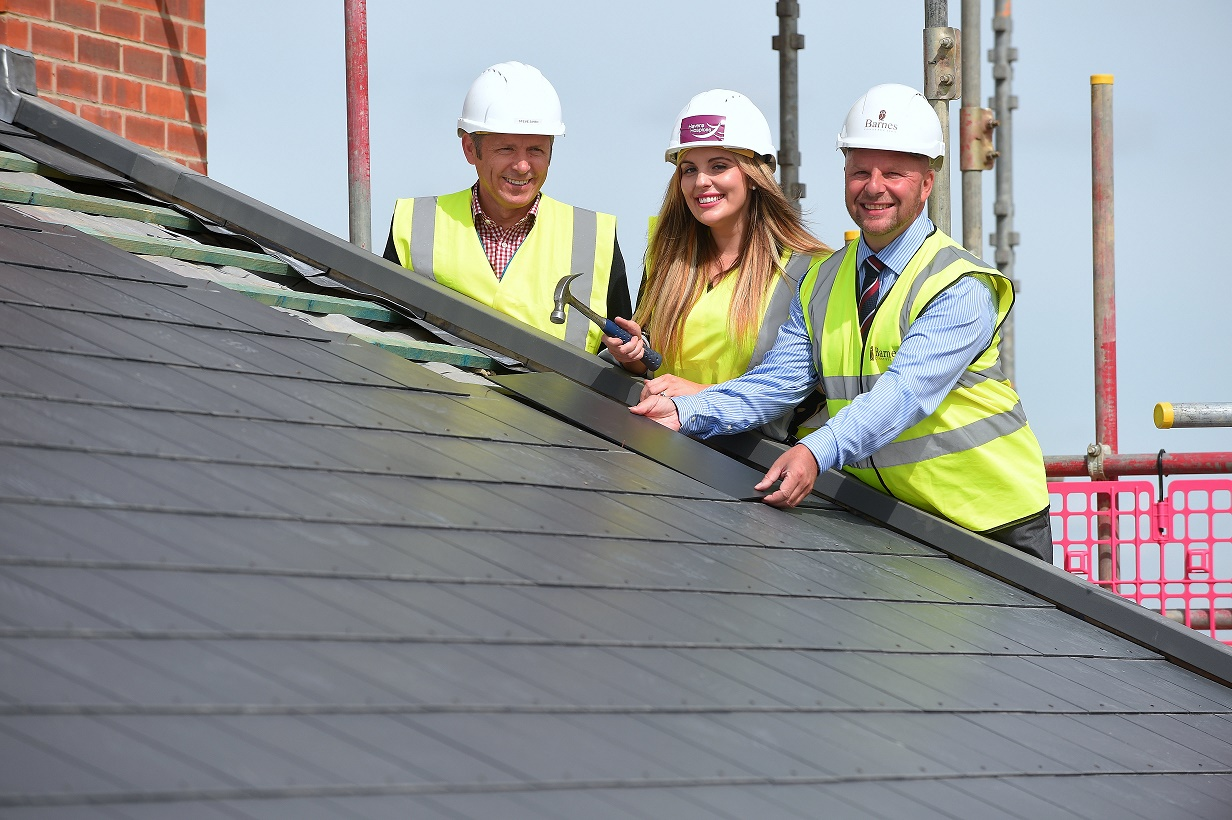 New Essex hospice celebrates 'topping out'