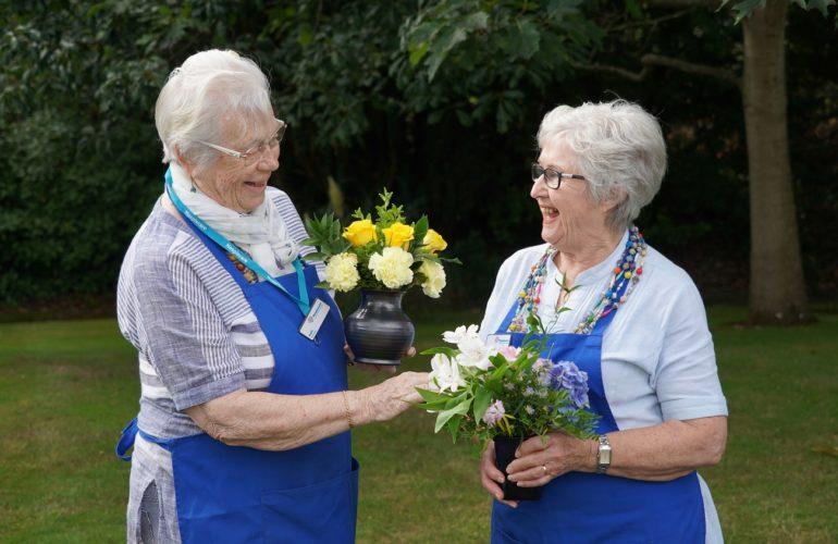 Meet the flower volunteers of Hospiscare in Exeter