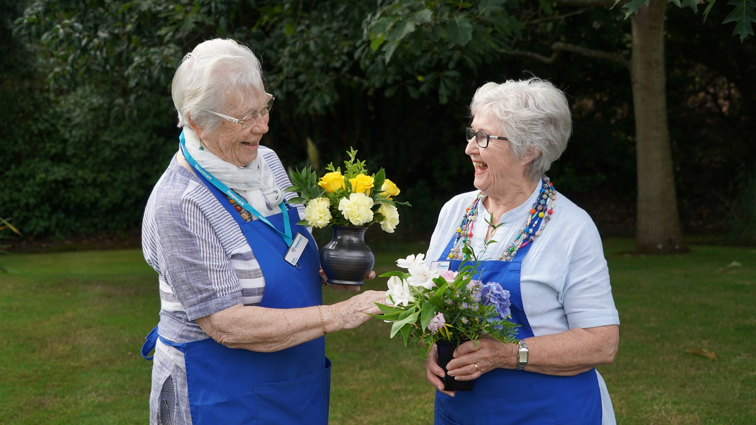 Meet the flower volunteers of Hospiscare in Exeter