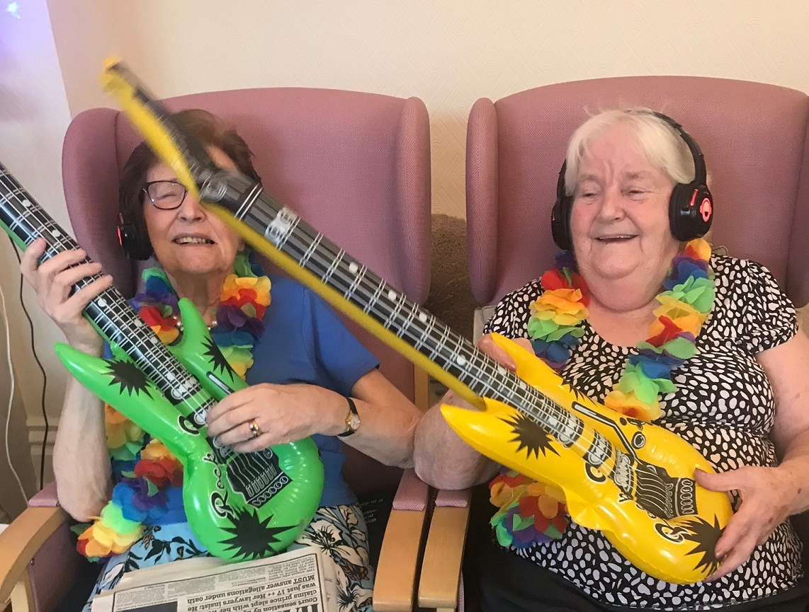 Silent discos are a new form of music therapy for people with dementia