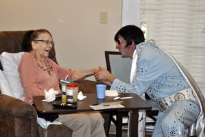 """Circle of Life hospice patient, Linda Patrick, meets the """"King of Rock and Roll"""""""