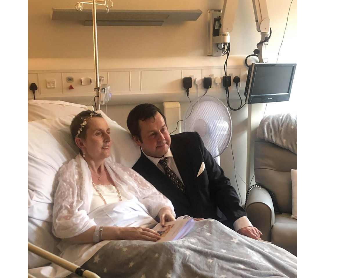 Couple say 'I Do' at hospice in midst of Coronavirus pandemic