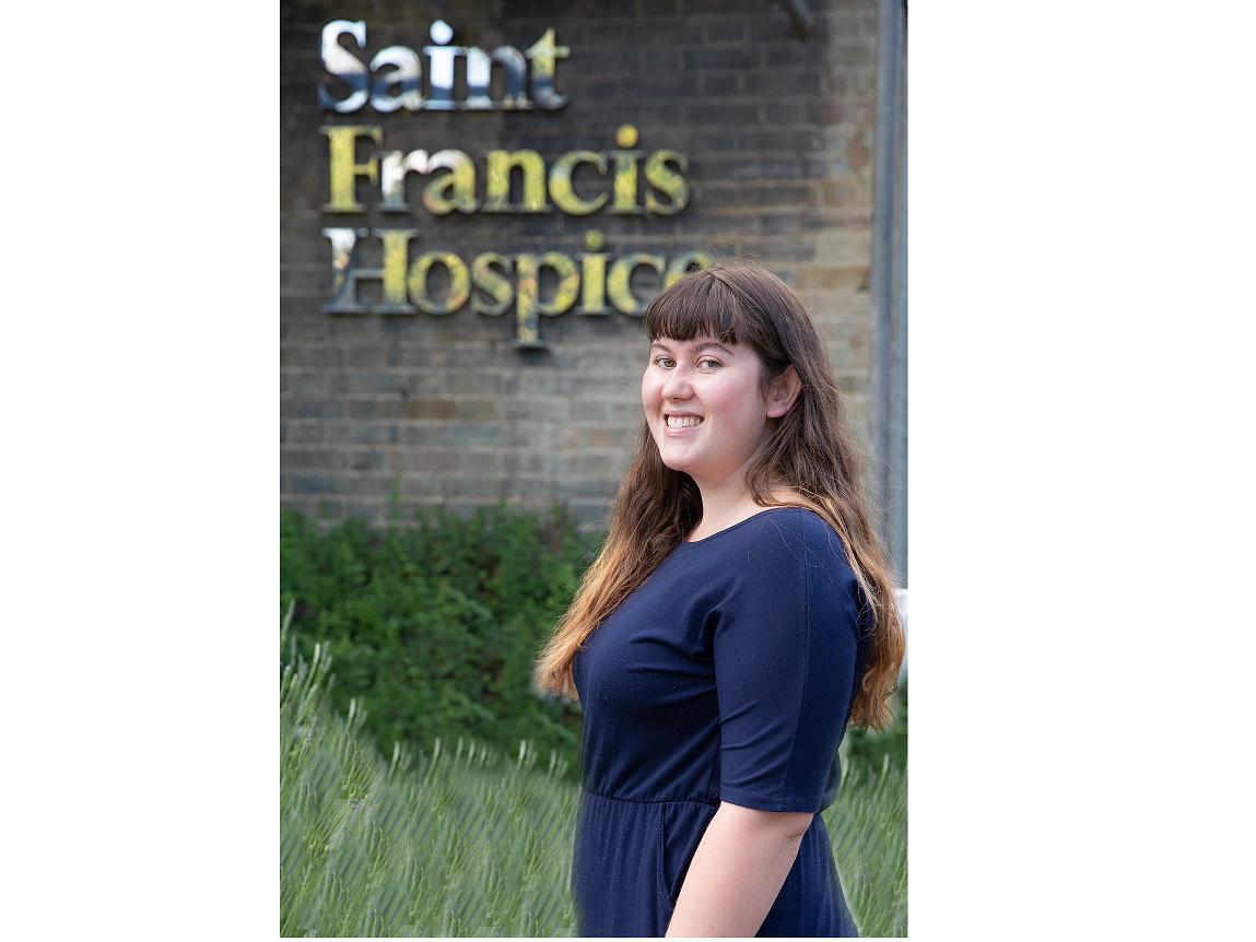 Young hospice volunteer wins community award for outstanding work