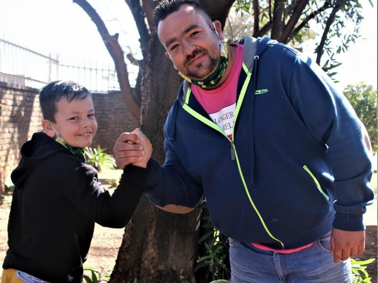 Arm Wrestling SA reaches out to St Francis Care Centre