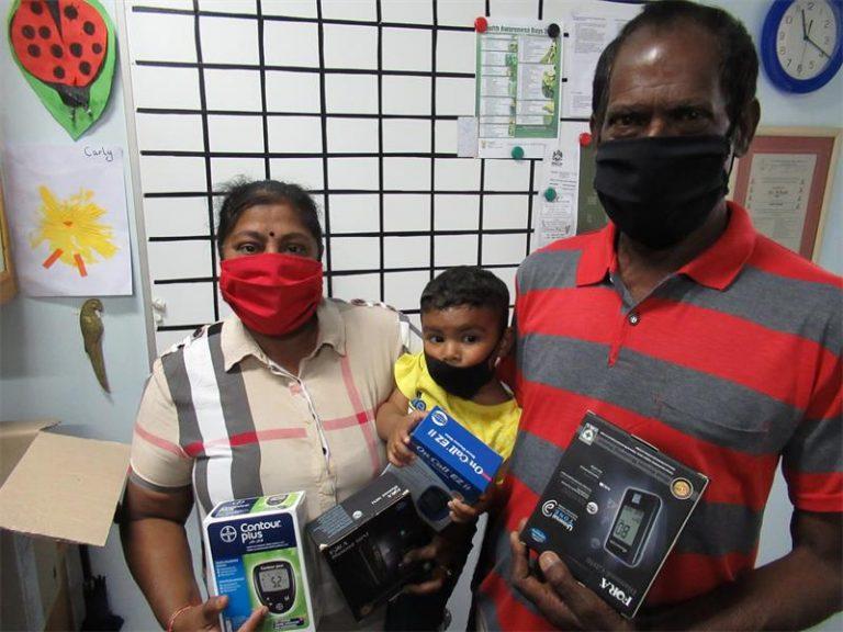 Khanya Hospice donates glucometers to diabetics