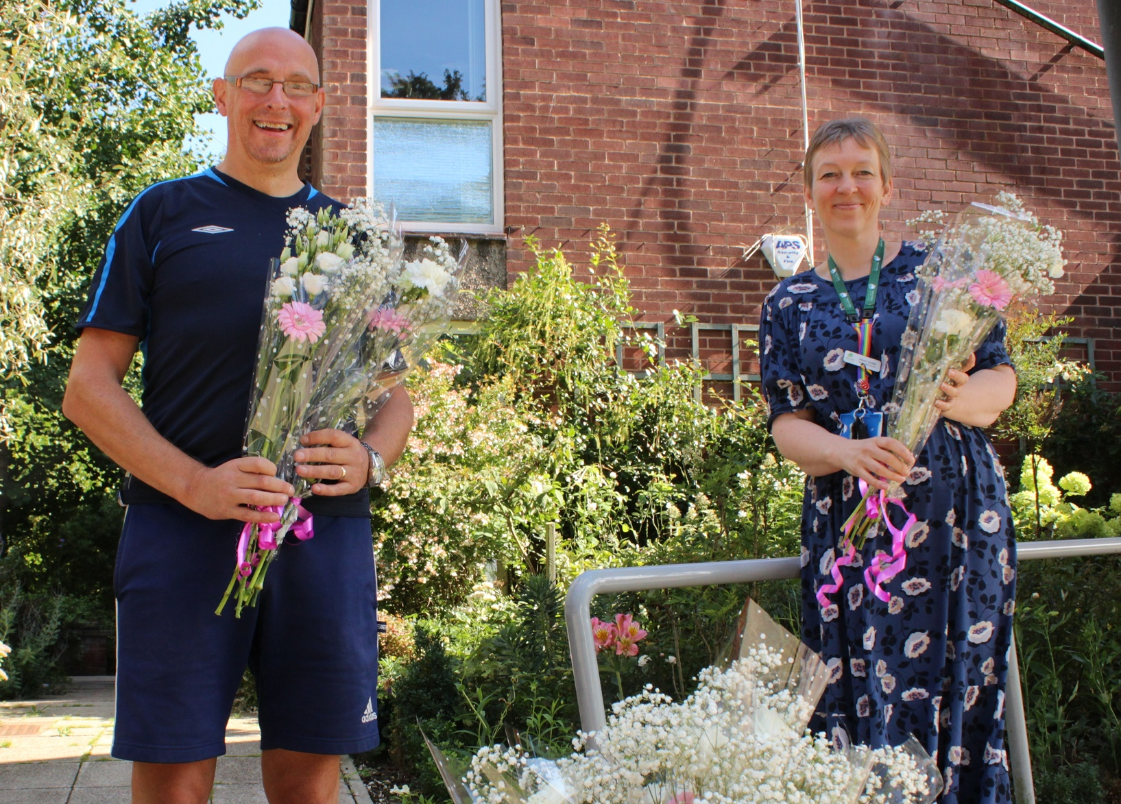 Hospice delivers flowers and cake to patients shielding during pandemic