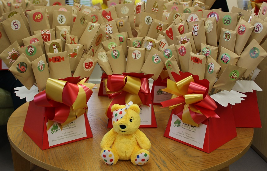 Bereaved children receive Christmas advent packages from hospice
