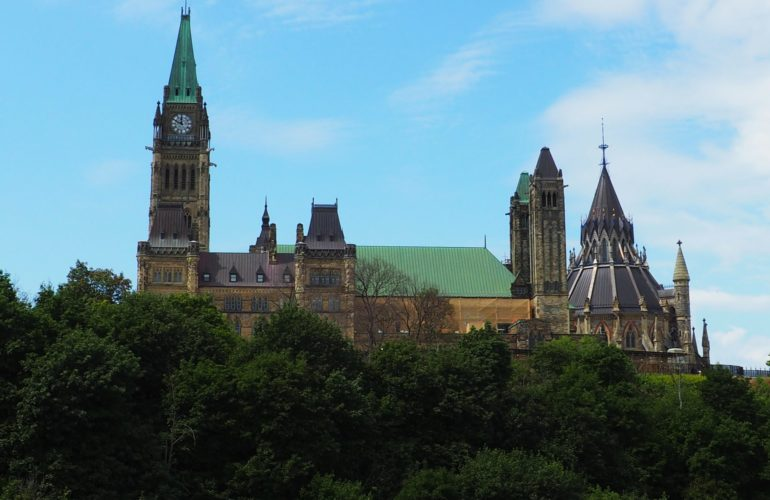 Bill C-220 Reaches Royal Assent, Extending the Canada Labour Code by Five Unpaid Days
